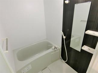 シックなデザインのお風呂