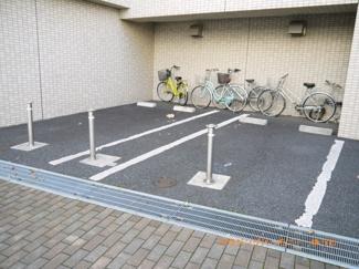 敷地内に駐車場を完備。