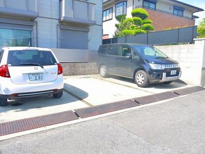 お車をお持ちの方は駐車場もありますよ!(契約状況に関してはお問い合わせください)