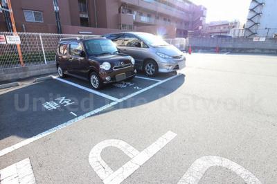 さつきビル 駐車場