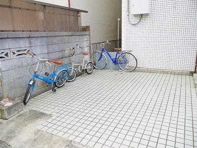 広々とした駐輪スペース