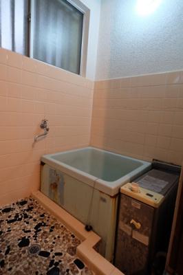 お風呂は新品に交換します