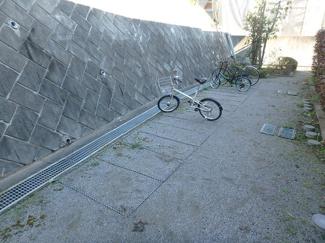 駐輪場 バイク置き場