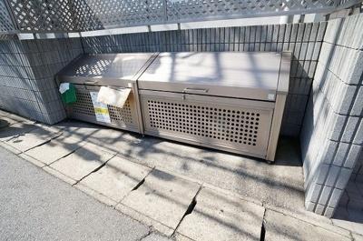 敷地内にごみ置き場があると便利ですね!