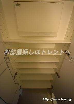 【玄関】ライオンズ千代田三崎町