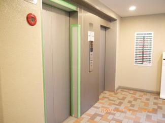 忙しい時間帯も、エレベーターが2基あり安心です。