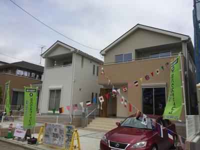 【外観】さいたま市緑区松木3丁目 新築分譲住宅全2棟 カースペース並列3台 敷地広々44坪 南西6M公道