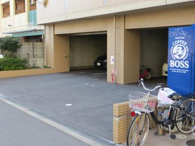 【駐車場】ロータリー難波