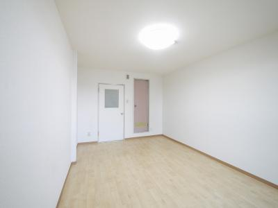 ゆったりした洋室です