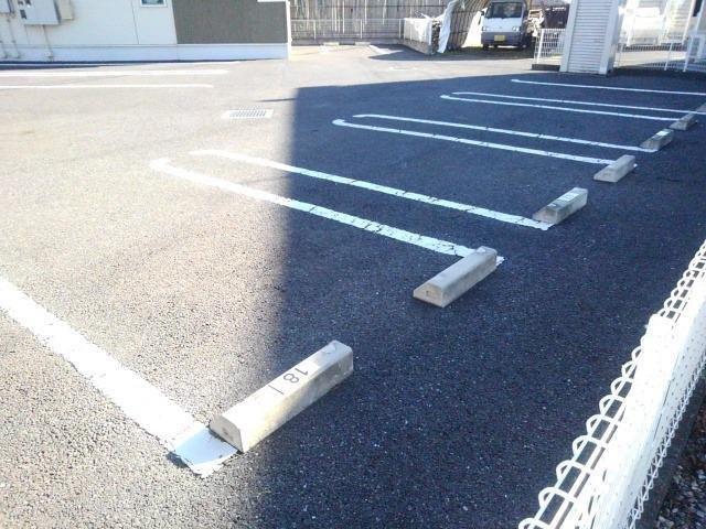 【駐車場】サンフラウア B