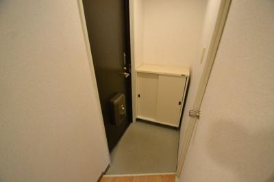 【玄関】サルナートいずみ
