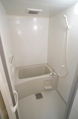 ゆったり入れるバスルーム!