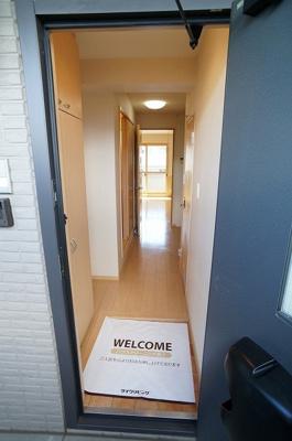 玄関の横には下駄箱があります!