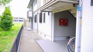 アパート入口