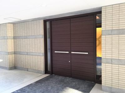 アトリエフルタ建築設計事務所古田先生のエントランスパース