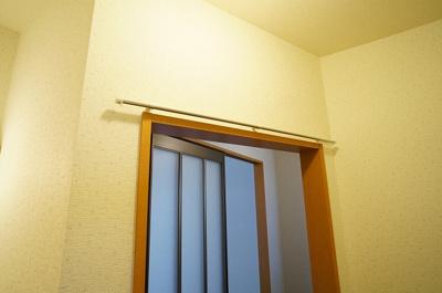 キッチンと洗面所はカーテンで仕切れます!