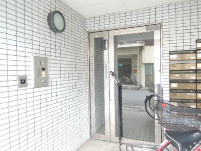 【エントランス】リード岡田マンションⅡ