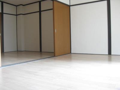 【洋室】西池マンション