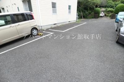 【駐車場】エステートピアグリーンヒルA