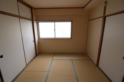 【寝室】ゼフィール板宿