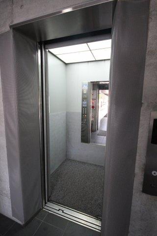 インペリアル舞鶴(1K) エレベーター