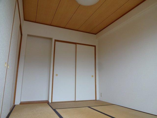 【和室】ロイヤルシャトー柏原本郷