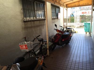 【エントランス】モデラート三国ヶ丘