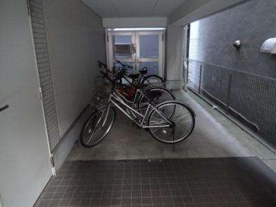 シナノレジデンス 入居者用駐輪場