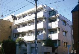 東長崎駅徒歩6分、閑静な住宅街に佇むマンションです。