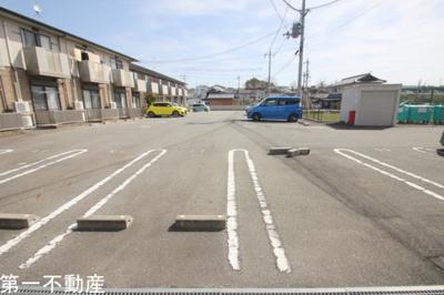 【駐車場】ヴィラージュ大開B