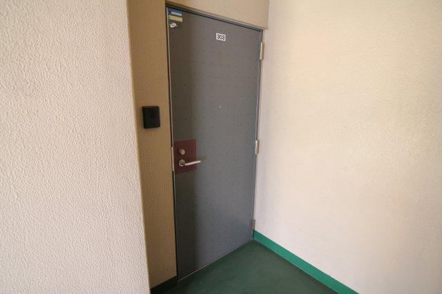 【玄関】フジマンション