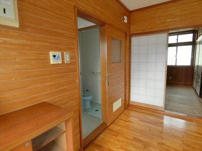 【メゾネット泉崎】の室内洗濯機置き場です