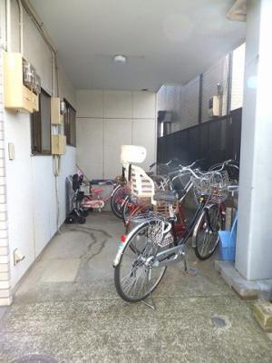 駐輪場・コワフール