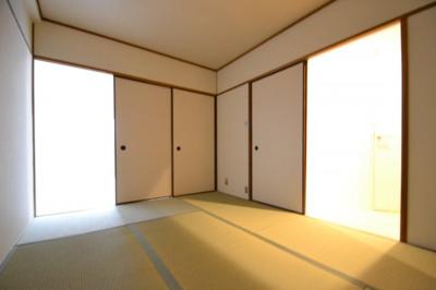 【寝室】灘ロイヤルハイツ