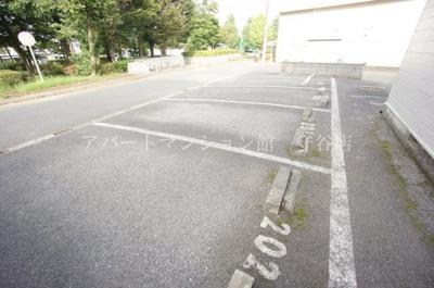 【駐車場】やまばとハイツ