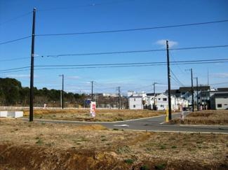 グランファミーロおゆみ野 鎌取駅 土地 青い空が広がる、遊歩道に隣接した全133区画の大型分譲地!