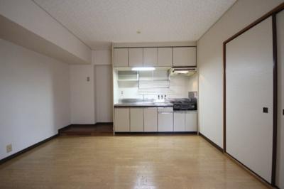 【居間・リビング】六甲道ロイヤルマンション