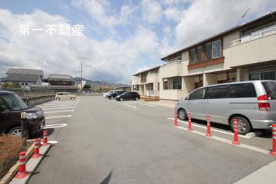 【駐車場】フェニーチェ