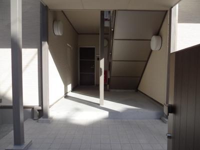 マードレネギシ 1階共用部分
