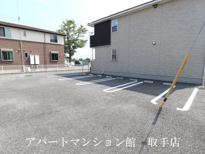 【駐車場】ノーブルアビタシオンC