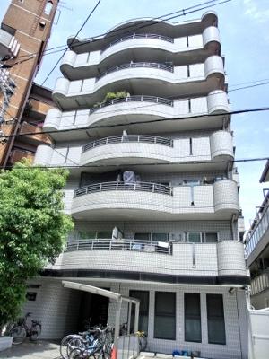 ロイヤル文の里 7階建ての鉄筋コンクリート造