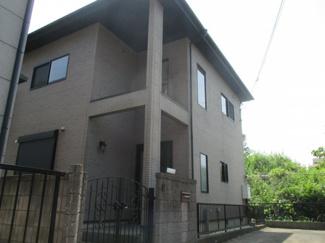 四街道市内黒田 中古一戸建て 外観は重厚感のある佇まい。