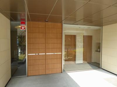 【エントランス】イニシア鶴見緑地公園
