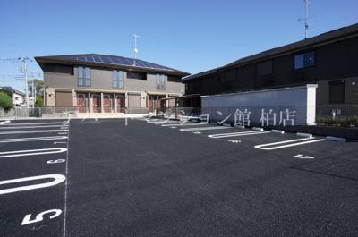 【駐車場】サイドガーデン南増尾A棟