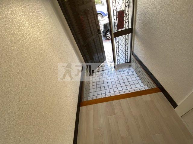 【玄関】旭ヶ丘1丁目3LDKテラスハウス
