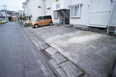 【駐車場】ホワイトハイツ