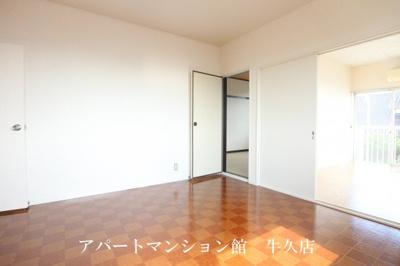 【居間・リビング】ルーミー牛久32号館