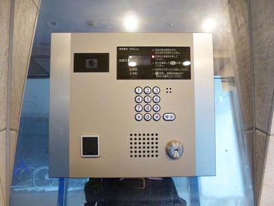 タッチキーのモニター付オートロックセキュリティです