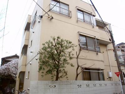 鈴木ビルの外観です。