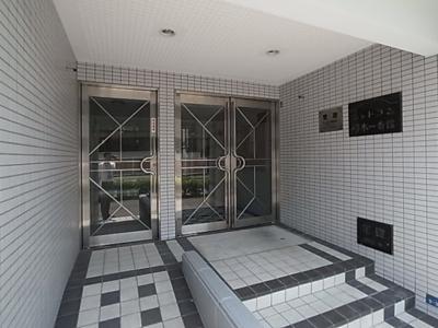 【エントランス】シャトラン弓木一番館